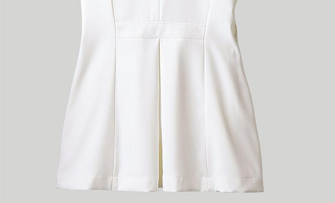 ローラ アシュレイ ナースジャケット半袖[住商モンブラン製品] LW801の後ろのプリーツ